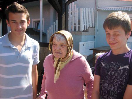 Starci su bili zahvalni i veseli zbog posjeta učenika