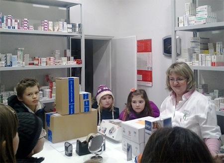 Učenici su u ljekarni imali priliku vidjeti prostor za zaposlenike
