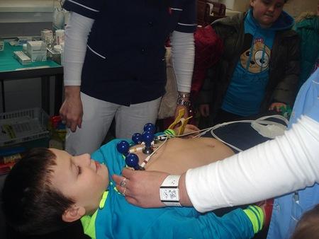 Učenicima se svidjelo mjerenje kisika, pulsa i temperature te EKG