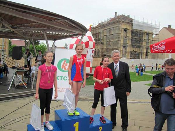 Lucija Kovačić, Marcela Gudić i Ema Stručić najbolje u kategoriji učenica 3. i 4. razreda