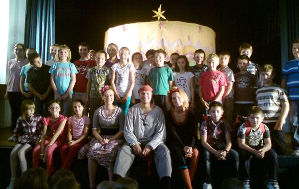 Nakon predstave učenici su razgovarali s glumcima