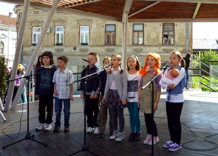 Učenici su recitirali, pjevali, plesali i glumili