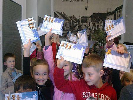 Na poklon su učenici dobili olovke i raspored sati s motivima Mede Štede.