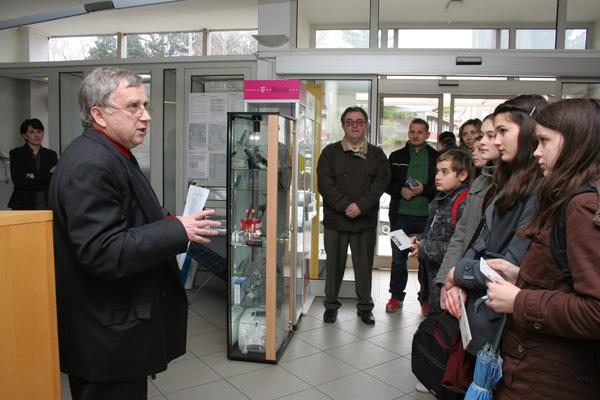 Učenicima je o Ivanu Goranu Kovačiću govorio knjižničar Jerko Barišić