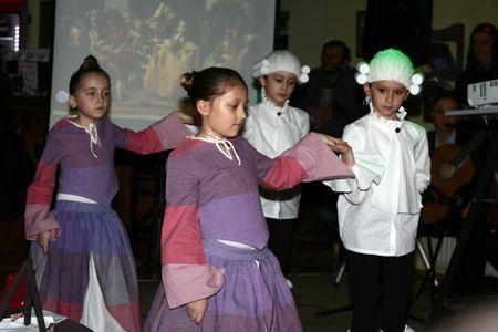 Učenici 3. razreda plesali su menuet.