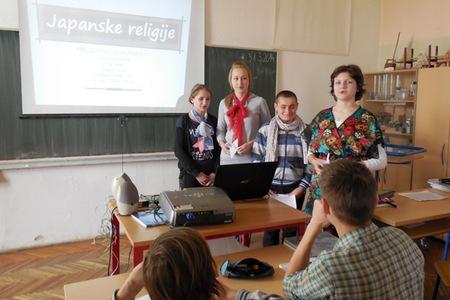 Matea, Antonio, Tamara i Ana predstavljaju japanske religije