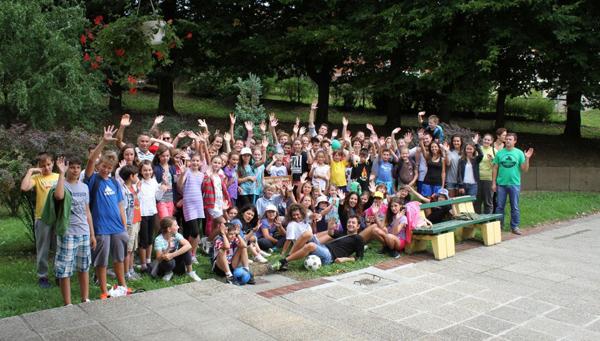 Sudionici ljetnih radionica i igara s animatorima i učiteljima
