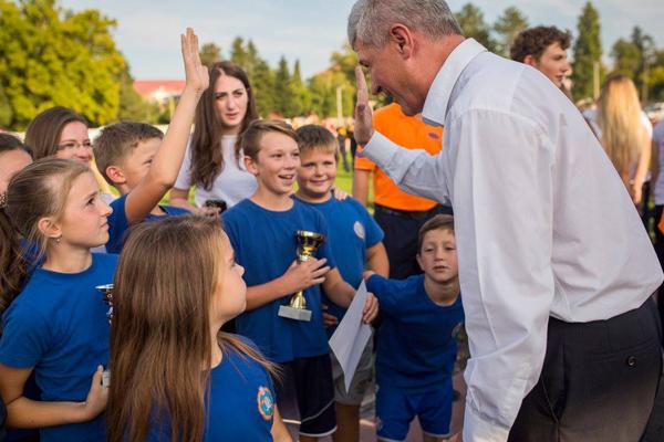 Gradonačelnik s učenicima OŠ Ljudevita Modeca
