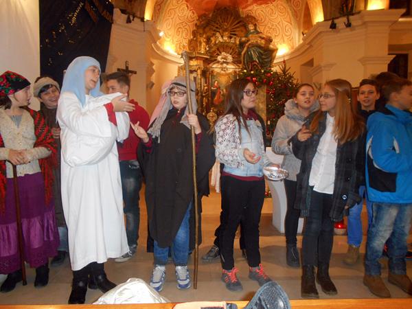 Isusovi učenici nastupaju za Božić.
